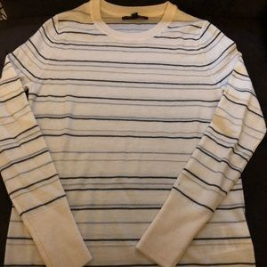 NWOT BANANA REPUBLIC SWEATER. XS. 100% merino wool
